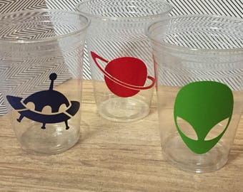 12 Alien Spaceship party cups