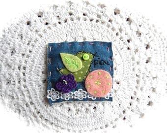 Broche textile Piou