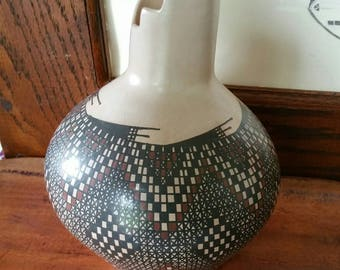 "Beautiful Collectable Mata Ortiz Handbuilt Handpainted Checkerboard Diamond design pottery signed ""Ruben Ponce"""