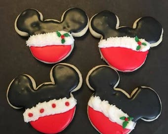 12 Mickey inspired Christmas cookies
