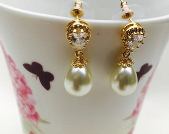 Pearl Drop Earrings, Wedding Earrings, Gold Earrings, Pearl earrings Dangle, wedding jewellery, drop earrings, bridesmaid earrings