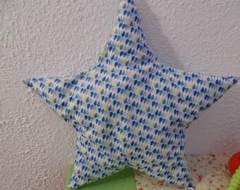 Water drop print star cushion