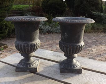 Vases médicis fonte métal vintage. France