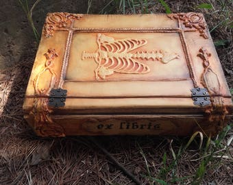 Book of shadows, Occult Medical Book Box, Witchcraft, Human Skeleton, Thorax, Human Bones, Human Anatomy Gothic Medieval Box Celestial Skies