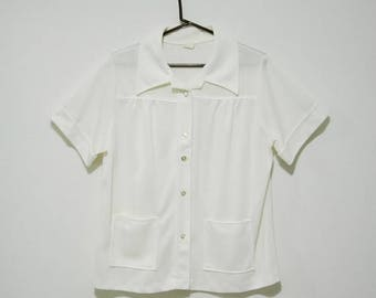 5 DOLLAR SALE - 70s White Polyester Button Up with Large Pockets - Size Large XL
