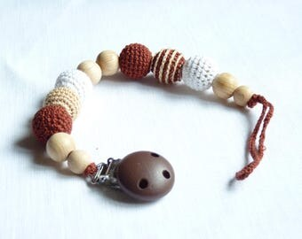 Brown pacifier clip / Crochet dummy clip / Dummy chain holder / Baby teething beads / Wooden dummy holder / Binky chain / Soother clip