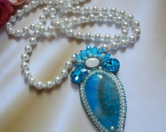 Long pearl necklace with blue agate pendant