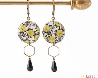 Resinees earrings round Hexagon black and mustard yellow floral pattern
