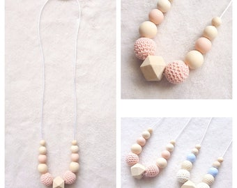 Necklace Babywearing and breastfeeding natural and untreated wooden beads, beads crochet and silicone, coral pattern