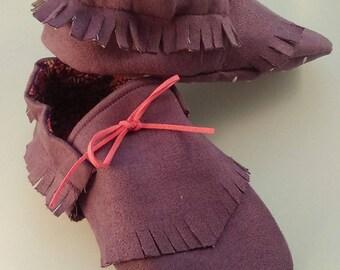 Kids suede fringe moccasins