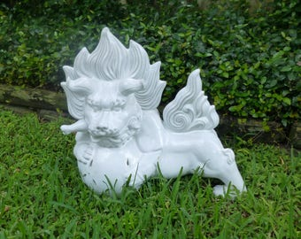 Large White Pottery Foo-Dog, Blanc Chine Ceramic Foo Dog-Large Guardian Lion-House Protector-Garden Decor