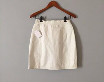 1980s leather mini skirt // chalk white mini skirt