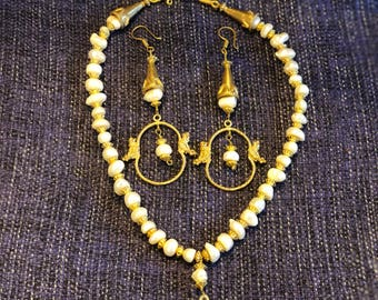 Ancient style necklase with earrings
