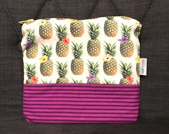 PINEAPPLE / toiletry bag, cosmetic bag, makeup, portable!