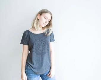 FREE DELIVERY! / Loose women Mandala T-Shirt for Creativity / Dark grey Mandala T-Shirt / Sacred Mandala Shirt  / Mandala Top / Mandala Tee