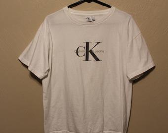 Vintage Calvin Klein t-shirt // vintage Calvin Klein shirt // Calvin Klein shirt // Calvin Klein tshirt // Vintage Calvin Klein //