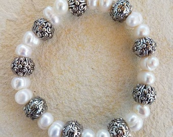 White Pearls with Silver Beads Bracelet, Freshwater Pearl Bracelet, White Pearl Bracelet, Silver Accent Beads, Silver Beads Bracelet, Pearls