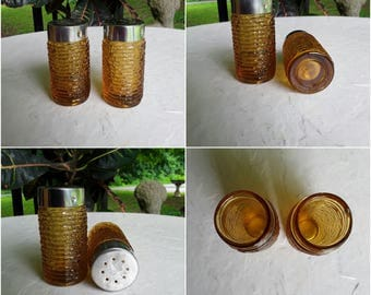 Amber Amber Salt and Pepper Shakers, Anchor Hocking Shakers, Honey Colored Shakers