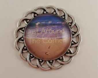 """JW magnetic brooch, """"Just Around the Corner"""", Jw gifts, jw items, jw accessories, pioneer gift."""