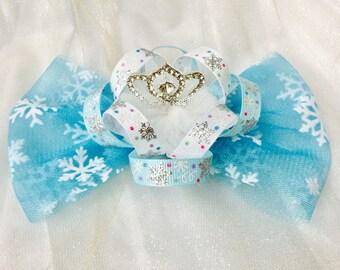 Girls hair clips snowflake hair bows snowflake hair clips frozen inspired hair bows Elsa hair bows Elsa hair clips birthday crown hair clips