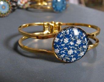 Night flower cabochon bracelet