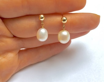 Pearl earrings, gold filled dainty earrings, gold filled jewellery, genuine pearl, gemstone earrings, simple earrings, contemporary earrings