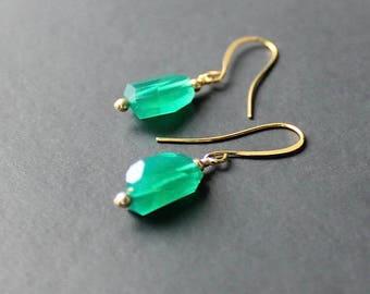 Green Onyx Nugget Earrings, Emerald Green Earrings, Green 14k Gold Earrings, Green Onyx Jewelry, Bright Green Earrings, Green Jewelry