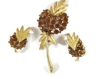 Vintage Trifari Brooch Earring Set, Vintage Couture Jewelry, Vintage Trifari Brooch, Vintage Trifari Earrings, Vintage Trifari Amber