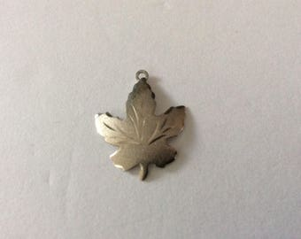 Silver Maple Leaf Pendant