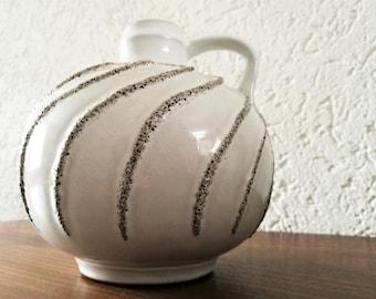 Strehla vase 9011 East-Germany