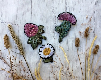 Embroidered flower pin - Thistle Pin - Camomile pin - Clover pin - Embroidered pin - Flower brooch - Wildflowers - Embroidered brooch
