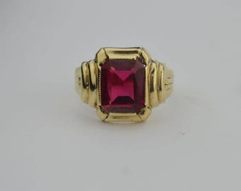 10k Yellow Gold Vintage Ruby Ring Size 6.5