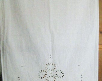 """Vintage white handkerchief with hole embroidery, ca.44,5x20,8 """", 113x53 cm, curtain, towel holder, curtain, art nouveau, hand embroidered,"""