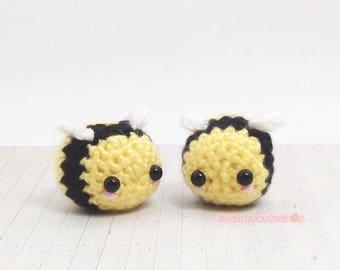 Tiny Bee Amigurumi - Kawaii Crochet Bumble Bee - Plush Kawaii Keychain -Yellow - Cute - Planner Accessory