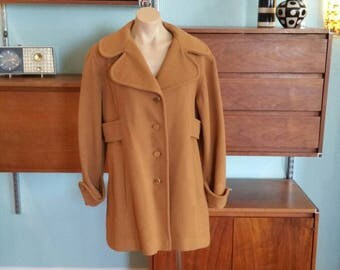 60s Vintage Brown Tan Felt Lined Swing Coat. Faux Belt. Gold Buttons. Mod Trench. Jacket. Size Medium or Large.