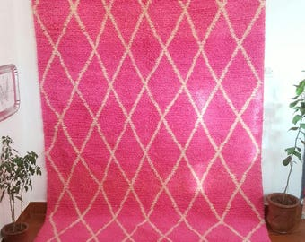 A very nice Beni ourain Beni ourain  Moroccan rug with pretty color pinky new  (2.50X1.50 m) (8,2X4,9 feet) (98,4X59 inches)