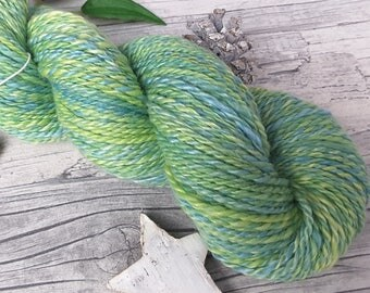"Yarn handspun hand dyed - polwarth, milk silk - ""Grashüpfer"" - 175yds/3,56oz - 2ply"
