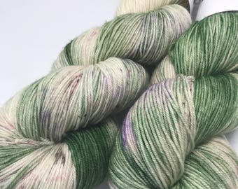 Hand Dyed Yarn Oddball Green Cream Variegated with Speckles 100g Hank Approx 400m 4Ply Fingering 100% Superwash Merino Mulesing Free