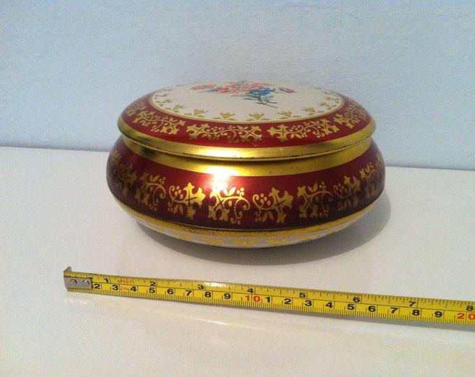 Vintage tin can decoration beautiful deco