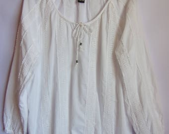 Women's Blouse/White Tunic/Party Blouse/Embroidered Blouse/Cotton Blouse/ Long Sleeve/Summer Blouse/Size  M- L