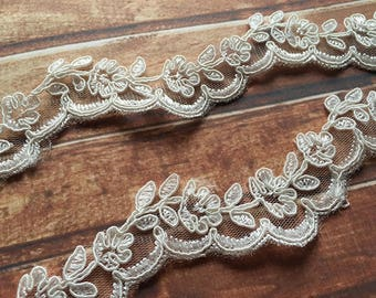 White Trim Lace,Lace Trim for Bridal Veil,Wedding Lace Trim,1.57   Inches Wide 1 Yards/ Craft Supplies, WL851