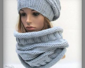 Chunky knit cowl, warm winter cowl, knitted scarf, loop scarf, gray scarf