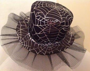 Spiders web mini top hat fascinator
