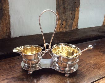 An Art Deco Elkington Silver Plated Jug And Sugar Bowl Set On Stand - A Perfect Serving Set For Strawberries And Cream!