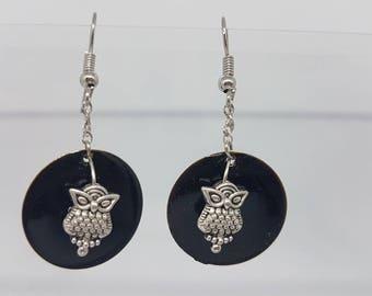 Earrings - super cool black