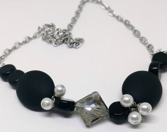 Black and Pearl Chain Necklace