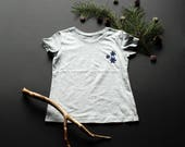 Snowflakes T-shirt / / bo...