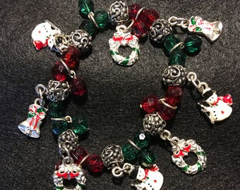 Fun and Colorful Vintage Christmas Charm Bracelet with Red, Green and Silver Beads. Wreat, Snowman, Bell Charms