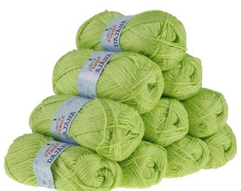 10 x 50 g knitting wool Dajana uni by VLNIKA, #451 Green