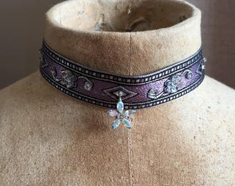 Vintage crystal flower - Dahlia choker